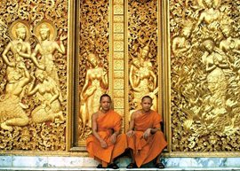doors-of-wat-aham-temple--luang-prabang--Oriental-Colours--1-.jpg