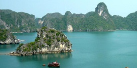 Halong-Bay-Northern-Exploration-5-day-4-night-vietnam-holiday-Oriental-Colours.jpg