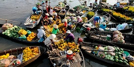 floating-market-in-can-tho-vietnam-holiday-Oriental-Colours--1-.jpg
