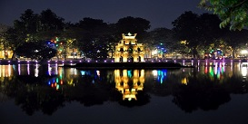 Hoan-Kiem-Lake-At-Night-vietnam-holiday-Oriental-Colours.jpg